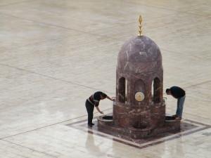 Ablucje przed modlitwą. Meczet al-Hakima, Kair. Fot. NMD